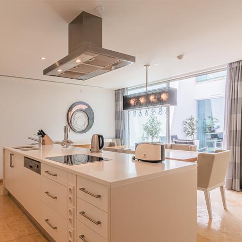 Pine Cliffs Terrace Kitchen