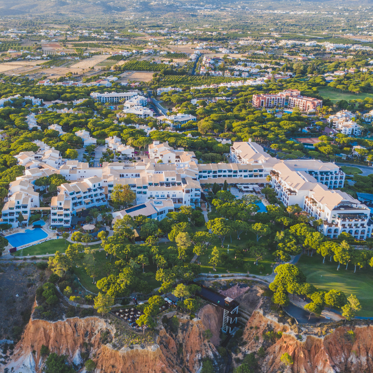 PINE CLIFFS RESORT IDEAL FOR NEXT HOLIDAYS IN PORTUGAL